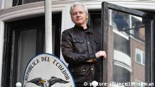 London, Julian Assange auf dem Balkon der Ecuadorianischen Botschaft