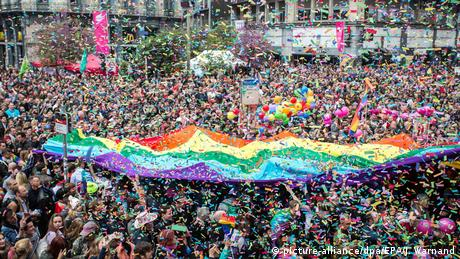 Gay Pride Parade in Brussels (picture-alliance/dpa/EPA/J. Warnand)