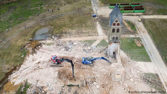 Deutschland Abriss der Kirche in Immerath (picture-alliance/dpa/A. Stoffel)