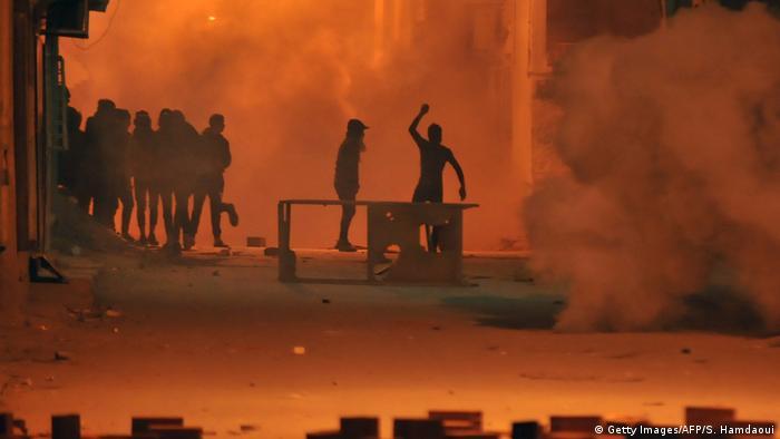 Tunus'taki protestolarda 200'den fazla gözaltı