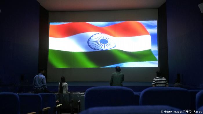 Indien nationale Hymne im Kino (Getty Images/AFP/D. Faget)