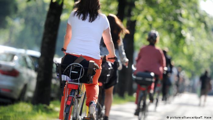 Gloabl Ideas Fahrradfahren (picture-alliance/dpa/T. Hase)