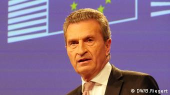Ο Επίτροπος Προϋπολογισμού Έτινγκερ ζητά σεβασμό στις θεμελιώδεις αρχές της Ευρώπης