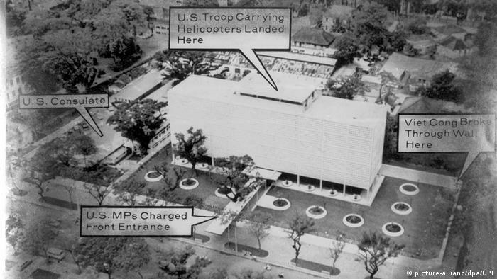 Vietnam 50 Jahre Tet-Offensive BG   Luftaufnahme der US-Botschaft in Saigon 1968 (picture-allianc/dpa/UPI)