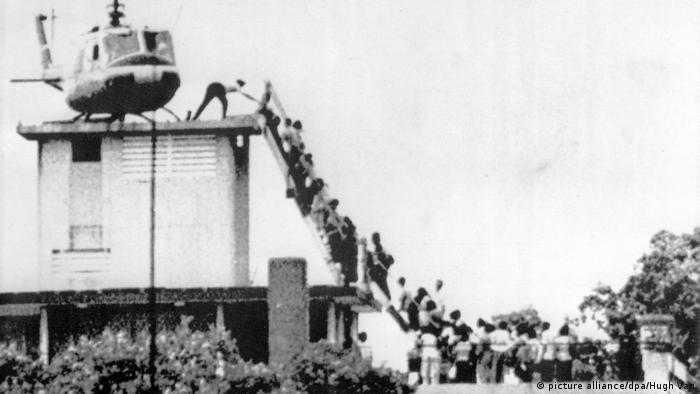 Evacuação por helicóptero de Saigon