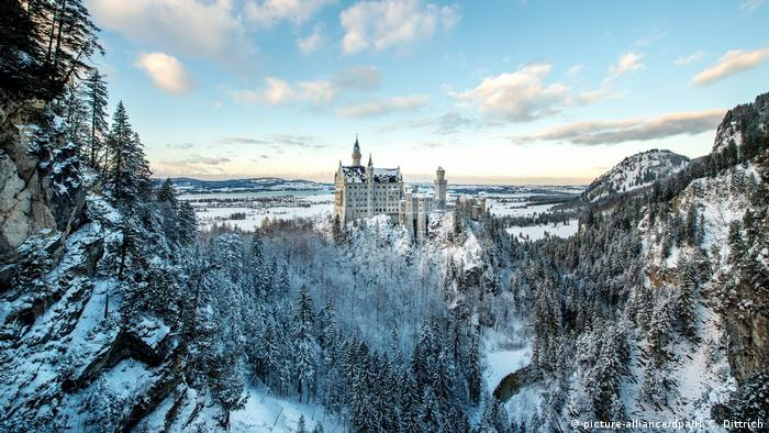 Neuschwanstein Castle (picture-alliance/dpa/H. C. Dittrich)