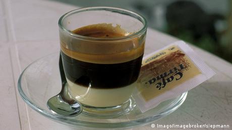 Cafe Cortado (Imago/imagebroker/siepmann)