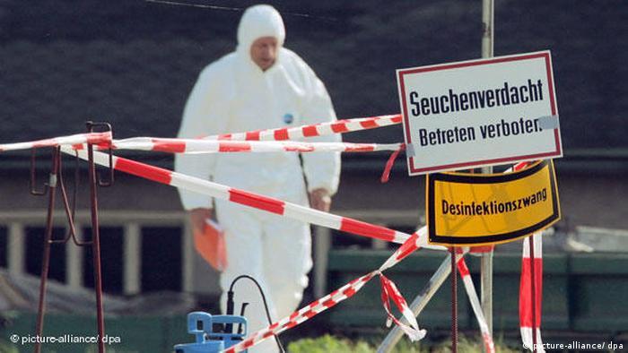 Vogelgrippe in Deutschland Absperrung (picture-alliance/ dpa)