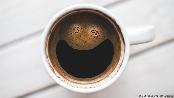 GOOD OLD PLAIN COFFEE (CC0/Kaboompics/Karolina)