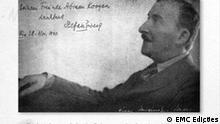 Das ganze Archiv ist die Reproduktion einer Seite des Buches Stefan Zweig im Land der Zukunft - Biografie eines Buches (2009). Auf dem Bild ist Stefan Zweig zu sehen. Das Bild wurde in Buenos Aires von einem deutschen Exilfotograf gemacht, und dann an seinen Verleger Abrahao Koogan geschenkt. November 1940, Argentinien. Stefan Zweig in Brasilien und Argentinien; Stefan Zweig im Land der Zukunft - Biografie eines Buches. Copyright: EMC Edições (Verlagname). ***Das Pressebild darf nur in Zusammenhang mit einer Berichterstattung über das Thema verwendet werden***