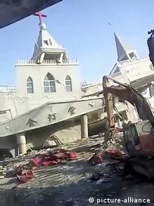 Abriss einer Kirche in China (picture-alliance)