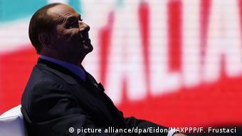 «Τρύπα» 80 δις θα δημιουργούσαν σύμφωνα με εκτιμήσεις οικονομολόγων οι προεκλογικές εξαγγελίες του Σίλβιο Μπερλουσκόνι