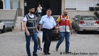 Türkei - Festnahme von Sahin Alpay (DHA Doğan Haber Ajansı)