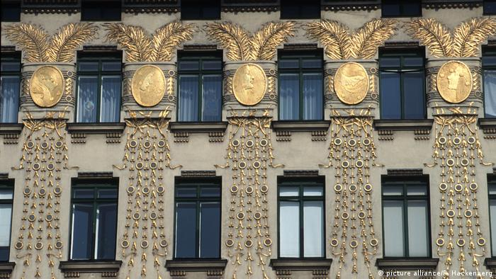 Wienzeile 38: Apartment Block By Otto Wagner With Façades By Koloman Moser