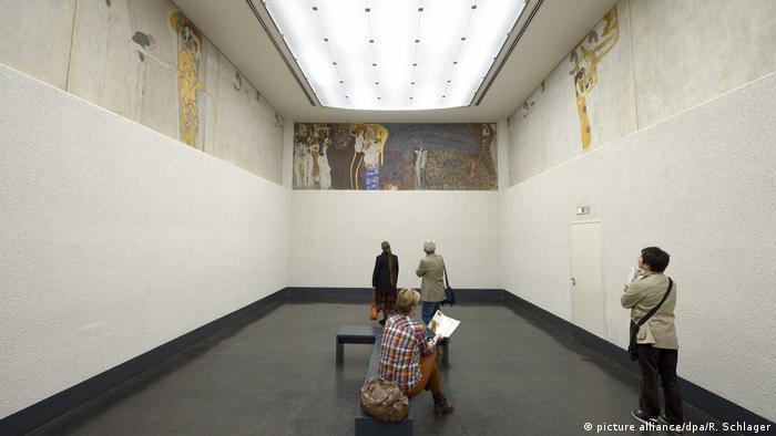Gustav Klimt - Beethovenfries in der Secession in Wien (picture alliance/dpa/R. Schlager)
