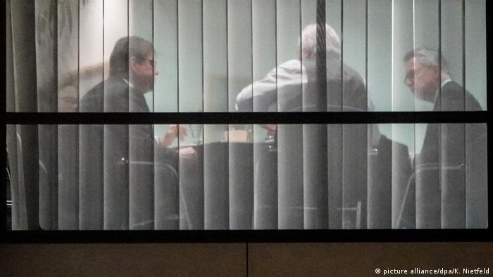 Berlin - Sondierungen von Union und SPD - Blick in die SPD-Zentrale
