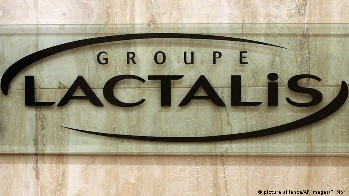 Lactalis Logo on side of a wall in Paris (picture alliance/AP Images/F. Mori)