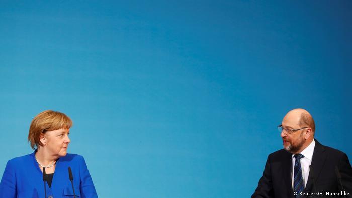 Deutschland PK Sondierungsgespräche in Berlin Merkel und Schulz