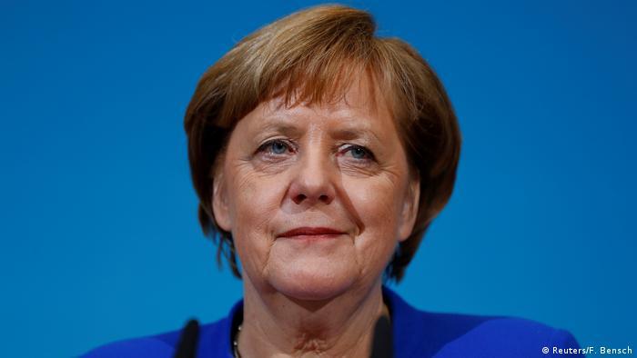 Deutschland PK Sondierungsgespräche in Berlin Merkel (Reuters/F. Bensch)