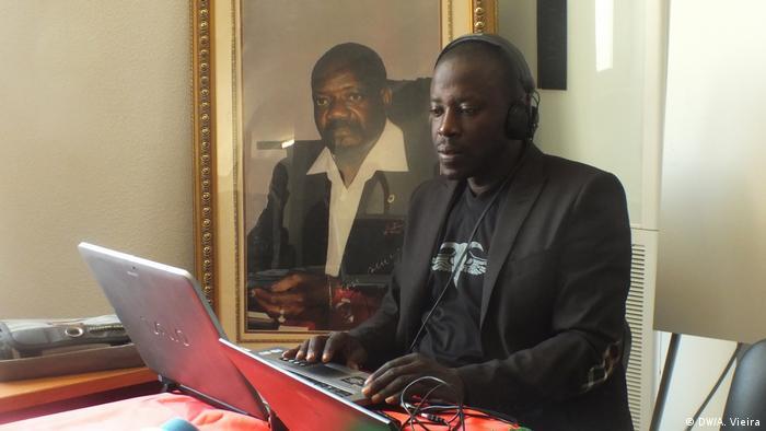 Jornalista angolano António Manuel