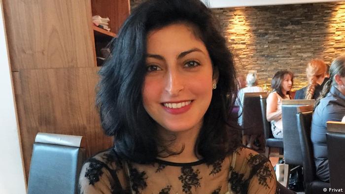 e291ecfeee750 كانت دلال تعيش سابقاً في السعودية، وغادرت البلاد مُضطرة رفضاً لنظام  الوصاية، خاصة وأنها لم تتمكن من الزواج بالشخص الذي تحب في بلدها وفق  تصريحاتها.