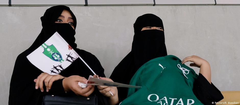 Liberação de torcida feminina em estádios faz parte de série de mudanças sociais na Arábia Saudita