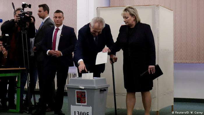 zech President Milos Zeman and his wife Ivana cast their votes during the country's direct presidential election