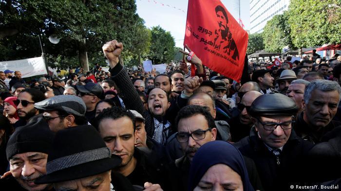 Protestos em Tunes no 7º aniversário da queda de Ben Ali