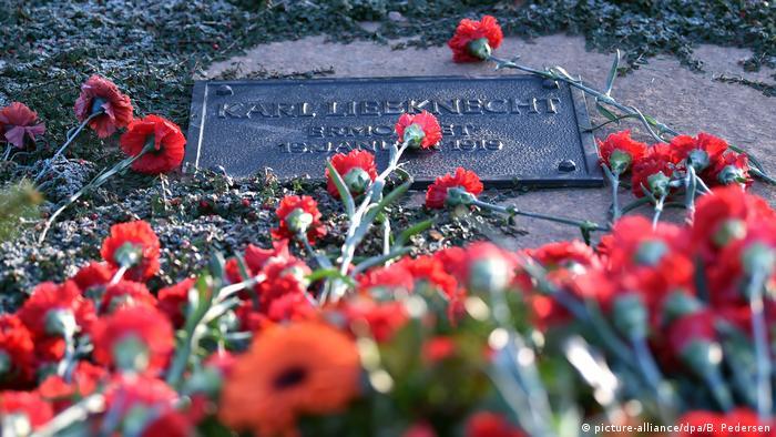 Berlin Gedenken an Rosa Luxemburg und Karl Liebknecht (picture-alliance/dpa/B. Pedersen)
