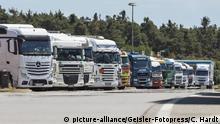 Deutschland LKW auf dem Rastplatz Hockenheimring an der A6