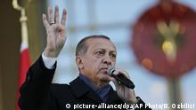 Türkei Recep Tayyip Erdogan (picture-alliance/dpa/AP Photo/B. Ozbilici)