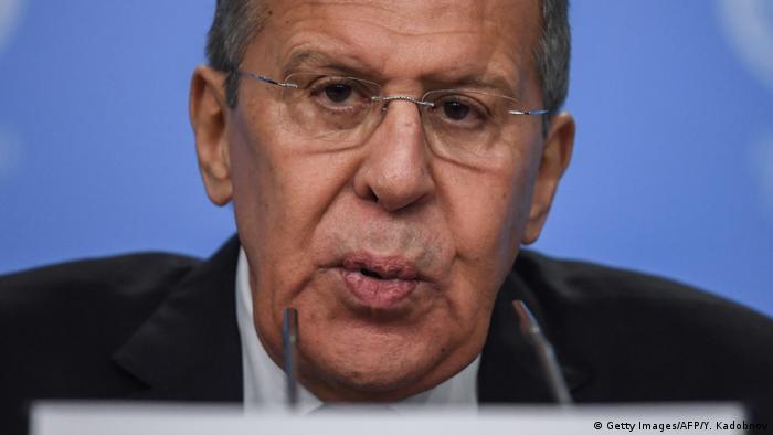 Russland Sergei Lawrow bei seiner Pressekonferenz (Getty Images/AFP/Y. Kadobnov)