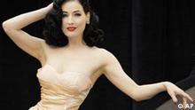 Deutschland Eurovision Grand Prix Modell und Tänzerin Dita Von Teese