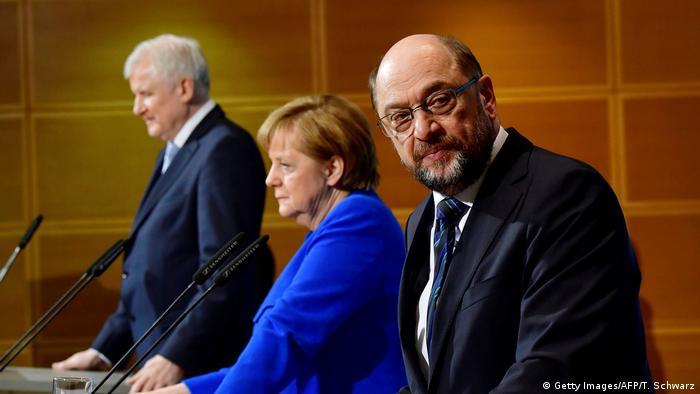 Die Parteichefs von CSU, CDU und SPD Horst Seehofer, Angela Merkel und Martin Schulz (v. l.)