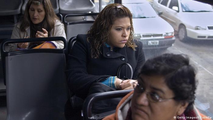 Mexiko, Frauen im Bus (Getty Images/A.Estrella)