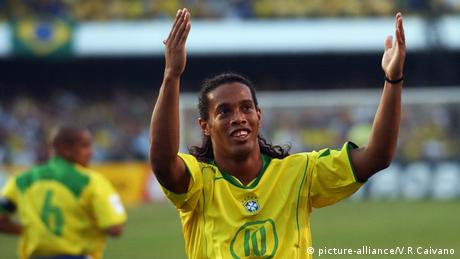 Ronaldinho (picture-alliance/V.R.Caivano)