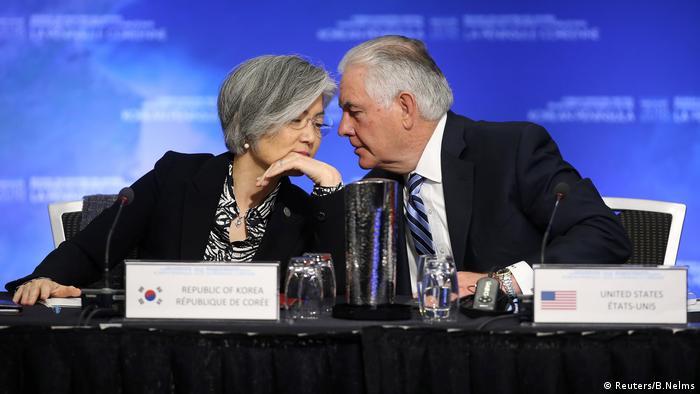 Kanada, US-Außenminister Tillerson verhandelt beim Außenministertreffen zu Sicherheit und Stabilität auf der koreanischen Halbinsel in Vancouver mit der südkoreanischen Außenministerin Kang Kyung-wha (Reuters/B.Nelms)