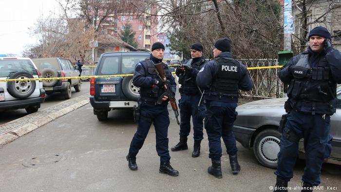 Kosovo Oliver Ivanovic erschossen - Polizei am Tatort