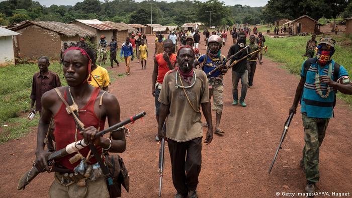 Combattants centrafricains de la milice anti-balaka à Gambo dans le sud-est de la RCA