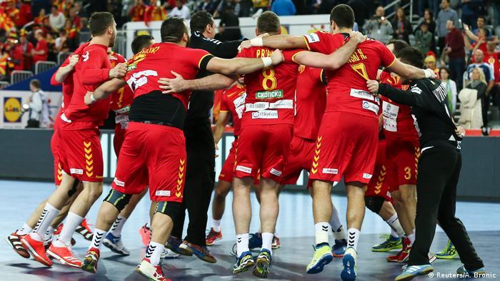 Handball Europameisterschaft in Kroatien Mazedonien vs Slowenien (Reuters/A. Bronic)