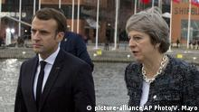 Theresa May und Emmanuel Macron beim EU Gipfel in Schweden (picture-alliance/AP Photo/V. Mayo)