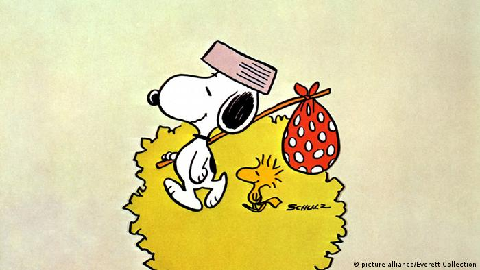 Snoopy with his pal Woodstock. (picture-alliance/Everett Collection)