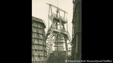 Black and White photo in Wattenscheid. (Fotoarchiv Ruhr Museum/Josef Stoffels)