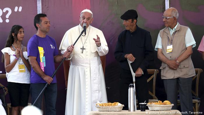 Chile Papst Franziskus besucht Heiligtum vom Pater Alberto Hurtado (picture-alliance/AP Photo/A. Tarantino)