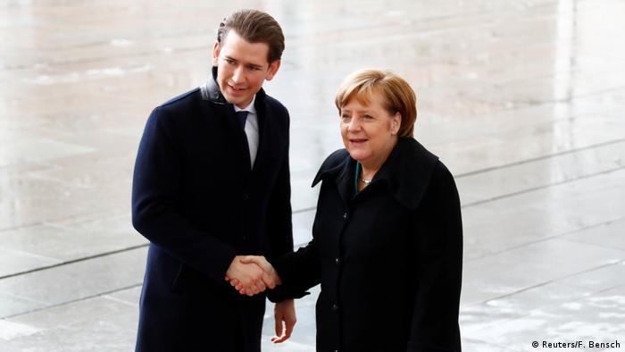 Deutschland Bundeskanzlerin Angela Merkel empfängt österreichischer Kanzler Sebastian Kurz am Kanzleramt