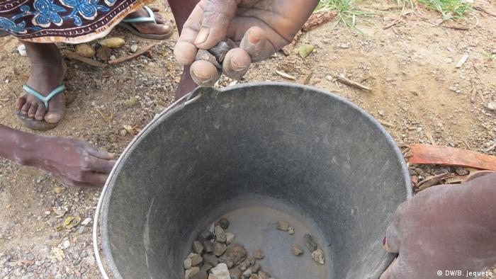 Mosambik Chimoio | Steinverkauf (DW/B. Jequete)