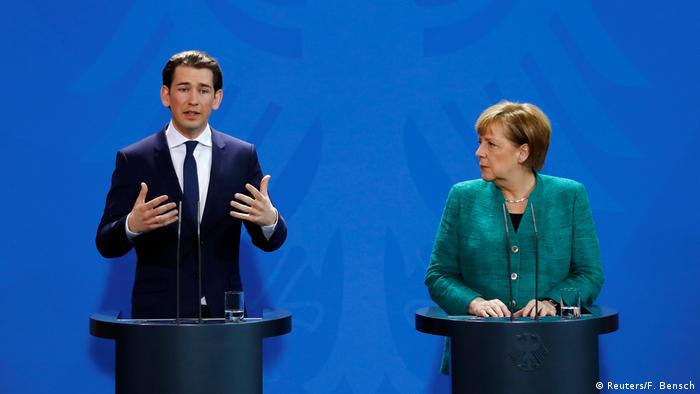 Germany's centre-left backs formal coalition talks with Merkel