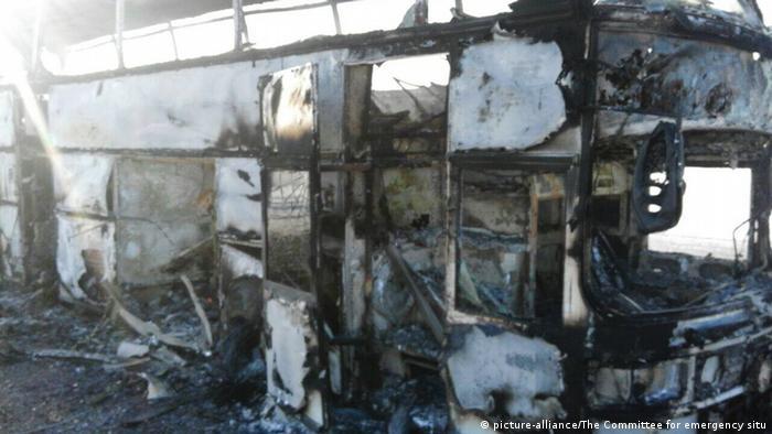 Al menos 52 personas murieron hoy al incendiarse un autobús de pasajeros que circulaba por una autovía en el oeste de Kazajistán, informaron las autoridades de esta república centroasiática. Sólo cinco ocupantes del vehículo lograron sobrevivir a la tragedia. (18.01.2018).