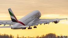 Airbus A380 von Emirates beim Start