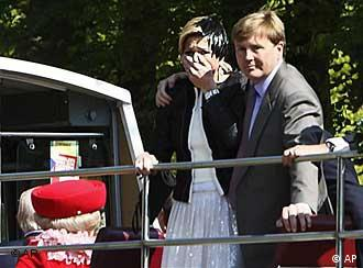 Members of the royal family at the moment of the attack, including Beatrix, Maxima and Willem-Alexander